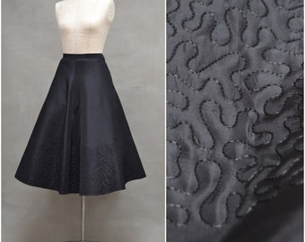 """Vintage skirt, 1950s black evening / party skirt, Full swing skirt with embroidered hem detail, 50s Rockabilly style, Waist 28"""""""