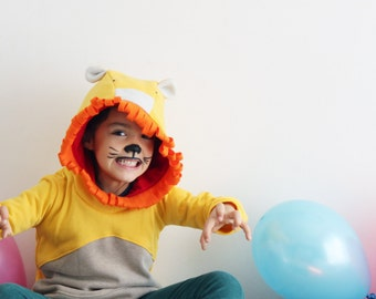 Kids hoodie, lion sweatshirt, lion sweater, unisex kids, gift for kids. Halloween costume. Sustainable children clothing. Made in Italy