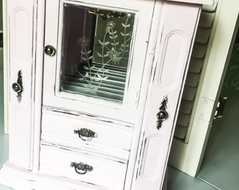 Light Pink Jewelry Box