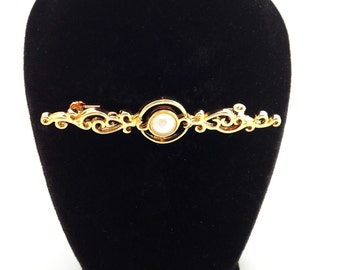 Victorian Style Pin Brooch.