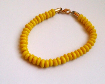 Yellow bracelet - vintage yellow glass beads bracelet