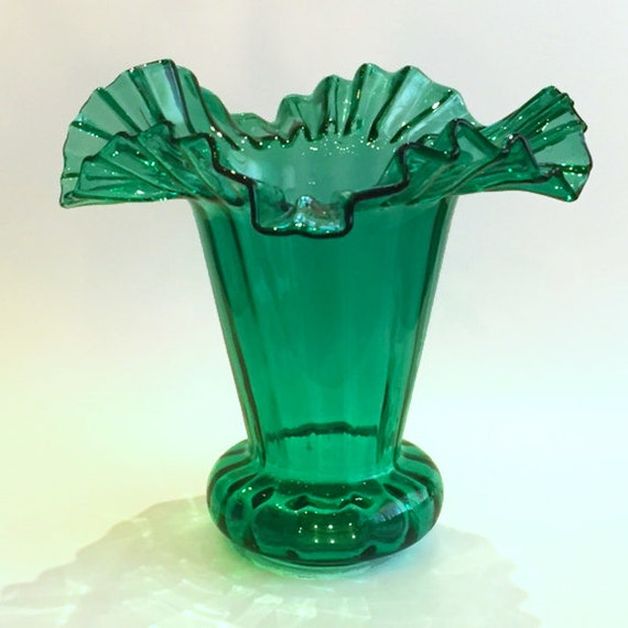 Vintage Hand-blown Ruffled Edge Green Glass Vase Circa 1950s Vintage Ruffled Edge Glass Vases For Sale