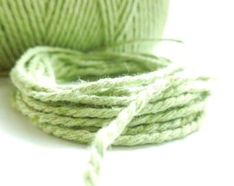 """10-meter """"Baker's Twine"""" coupon, light green, 2 mm thick 2 strands"""