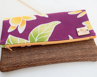 Beach babe clutch in Kauai Plum, Summer, Aloha print, Hawaii made