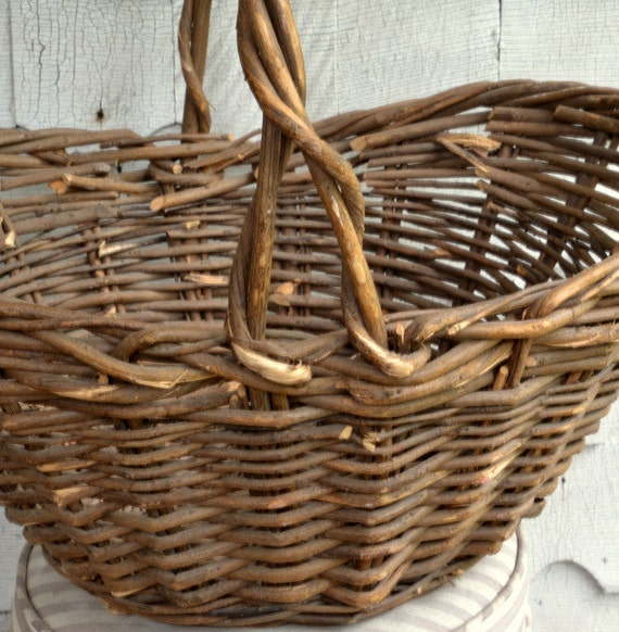 How To Weave A Basket Out Of Twigs : Willow gathering basket vintage huge hand woven twig
