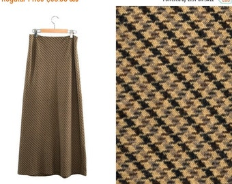 ON SALE Vintage long skirt. High waist skirt. Beige / Black / Brown / Gray.