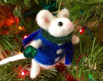 Needle felted mouse, felted mouse, wool Christmas ornament, mouse ornament, stocking stuffer, Christmas mouse, felted animal, wool ornament,
