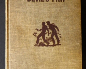 The Mystery At Devil's Paw by Franklin W Dixon, A Hardy Boys Mystery
