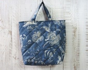 lunchbag made of toile de jouy chinoiserie blue white quilted cotton tote french country style bag for office