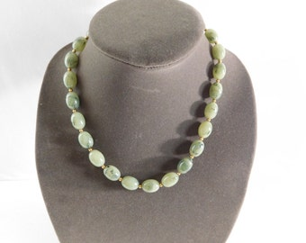 Green necklace, short green necklace, Joan Rivers green beads vintage necklace