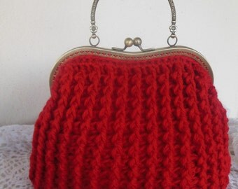 Red crochet bag in wool