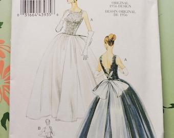 Vogue Vintage Pattern, Womens 1950s Dress, V8729, Sewing Pattern, New!