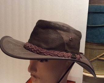 20% OFF SALE Vintage Barmah Canvas Cooler Outback Boonie Hat