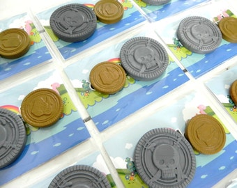 Pirate Coin Party Favours x 10 |Silver & Gold Crayon Coins | Pirate Party | Pirate Party Favours | Party Bag Fillers | Treasure Coins | Kids