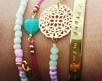 Proud mommy bracelet set