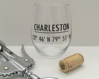 Charleston coordinates wine glass