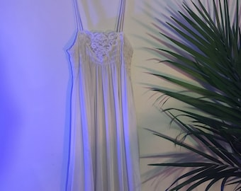 Vintage Lace Cream Nightgown