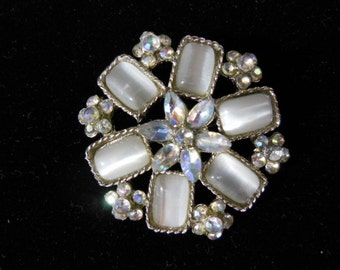 Vintage Rhinestone  and Glass Brooch / Pin