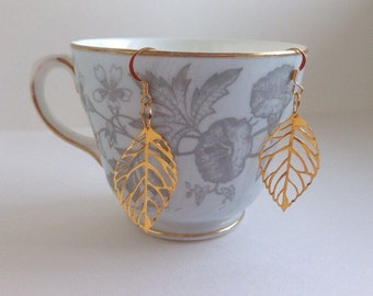 Golden Leaf Earrings - Filigree Leaf Earrings - Filigree Jewelry