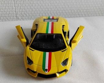 LAMBORGHINI AVENTADOR, metal toy car model. Lovely collectible item!