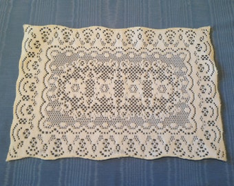 Small placemats etsy for Small square placemats