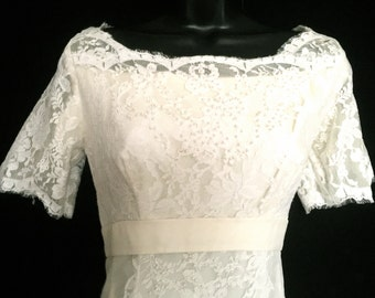 Vintage 60's Elegant Wedding Gown     VG145