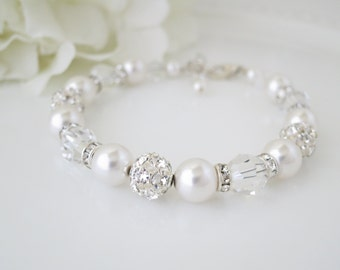 Wedding bracelet, Swarovski bridal bracelet, Crystal and pearl wedding bracelet