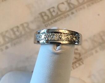 Vintage 14k white gold 5.7mm wide 7 Round Bead Set Diamond Wedding Band .26 tw I-VS2-I1, size 6.5