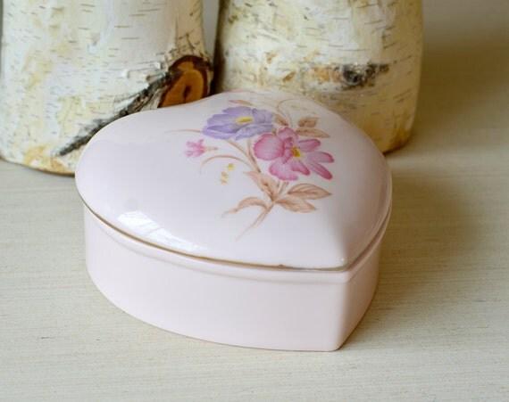 Vintage heart shaped porcelain jewelry box heart shaped big for Heart shaped jewelry dish