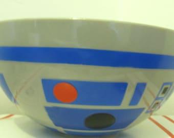 A Cool,Vintage 70's era ROBOT Print,Plastic MIXING Bowl.