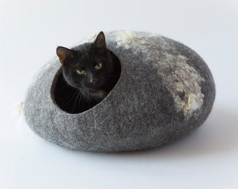 Pets bed / Cat bed - cat cave - cat house - eco-friendly handmade felted wool cat bed - cat cave-gray
