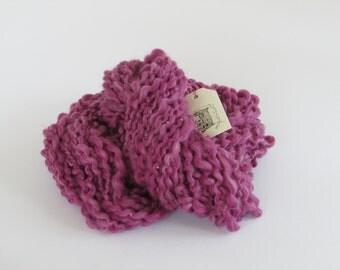 Handspun merino beaded art yarn Dusky Pink spiral ply textured yarn.