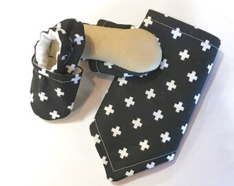 Black Swiss Cross Set