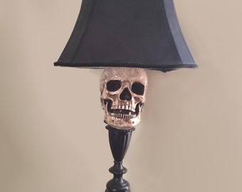 Halloween skull lamp