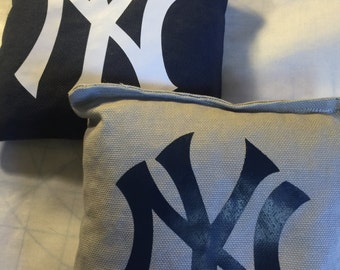 NY Yankee cornhole bags