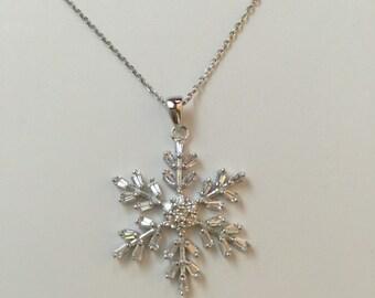 Snowflake necklace,snowflake pendant necklace,925 sterling silver CZ snowflake pendant necklace