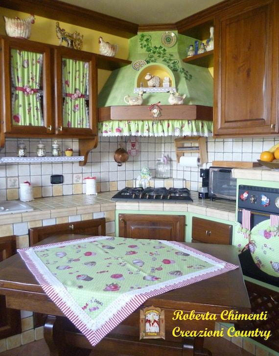 Coordinato cucina country centrotavola tendine per mobili - Mantovane per cucina ...