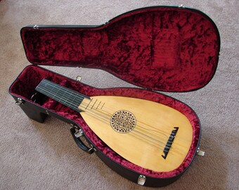 15 String Lute (1975) Custom Made by William Molan, Locking Hard Case with Key