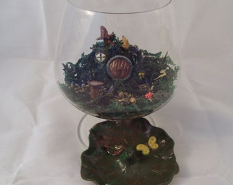 Hobbit House Garden with Leaf Lid Fairy Forest House
