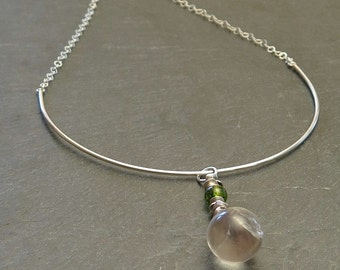 Necklace pendant in sterling silver, quartz and peridot