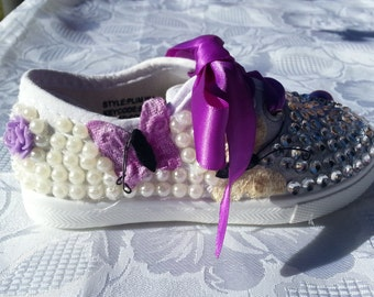 Purple butterfly shoe size 7