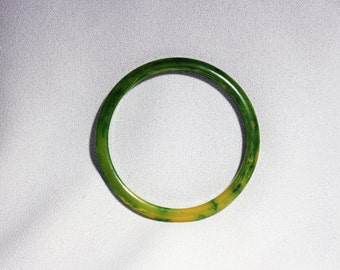 Vintage Bakelite Plastic Marbled Chartreuse Lime Green Yellow Bangle Bracelet Circa 1930's / 40's