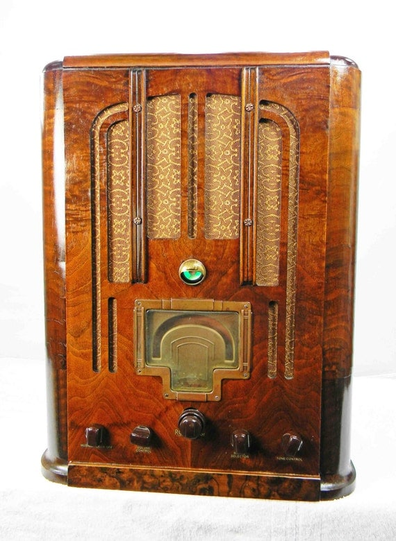 LyricH additionally 1930s American Art Deco Radiobar  E2 80 A2 Radiobar furthermore 292100023033 as well Radiola20 additionally A Photo Tour Of The National Capital Radio And Television Museum. on antique rca radios for sale