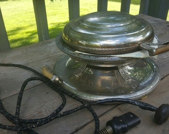 Vintage Royal Robeson Rochester Chrome1920's Antique Waffle Iron~ Chrome Waffle Maker Retro Kitchen Appliances f191