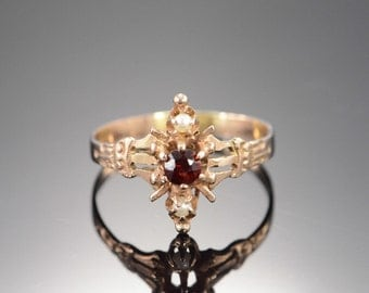 10K Victorian 0.25 CT Garnet 2mm Seed Pearl Carved Ring - Size 8 / Yellow Gold - EM1307