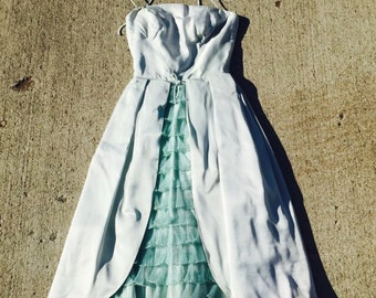 FREE SHIPPING!- Ruffle Front 1950's Dress in Pale/Blue Green size XS 22 inch waist