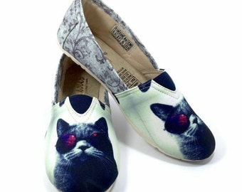 Cat Shoes 4 !! Women shoes, Cat lovers, Animal lovers.