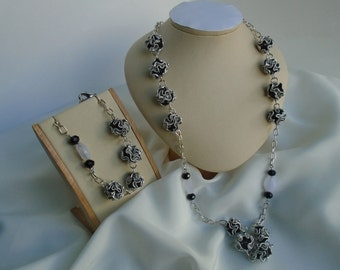 jewelry sets, nespresso sets, upcycled, black, white