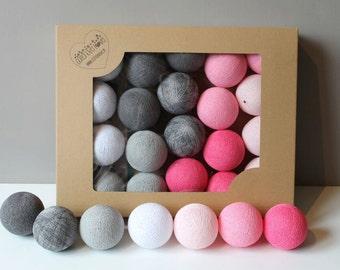 Cotton Balls Raspberry 10 items