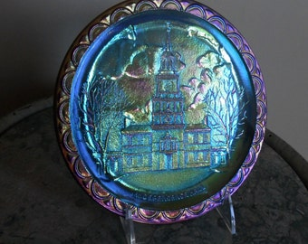 Fenton Carnival Glass - Blue ''INDEPENDENCE HALL'' Plate - Vintage Carnival Glass - Collectible Art Glass - Bi-Centennial Collectibles (702)